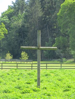 Cross_at_The_Bield_Retreat_Centre__Perthshire_IMG_5115.JPG